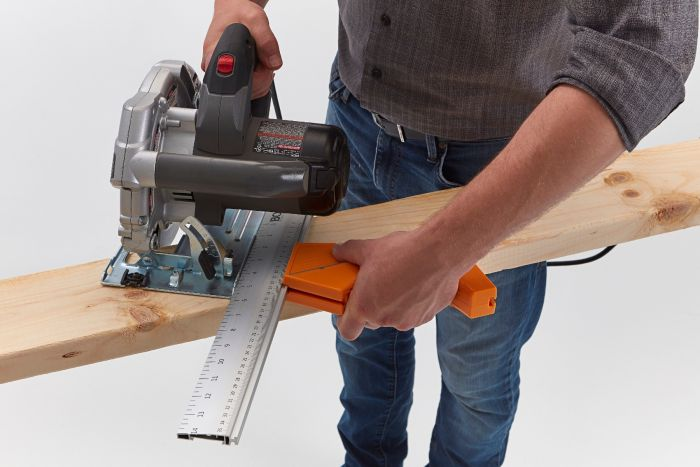 45-degree saw guide