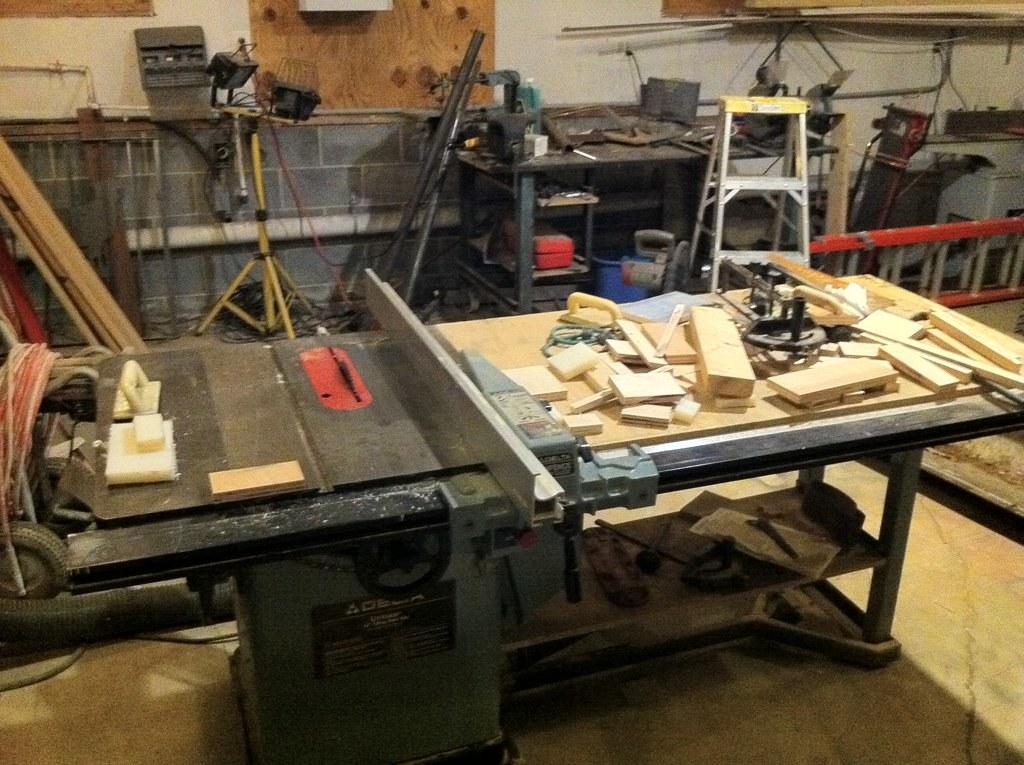 wood cutting station