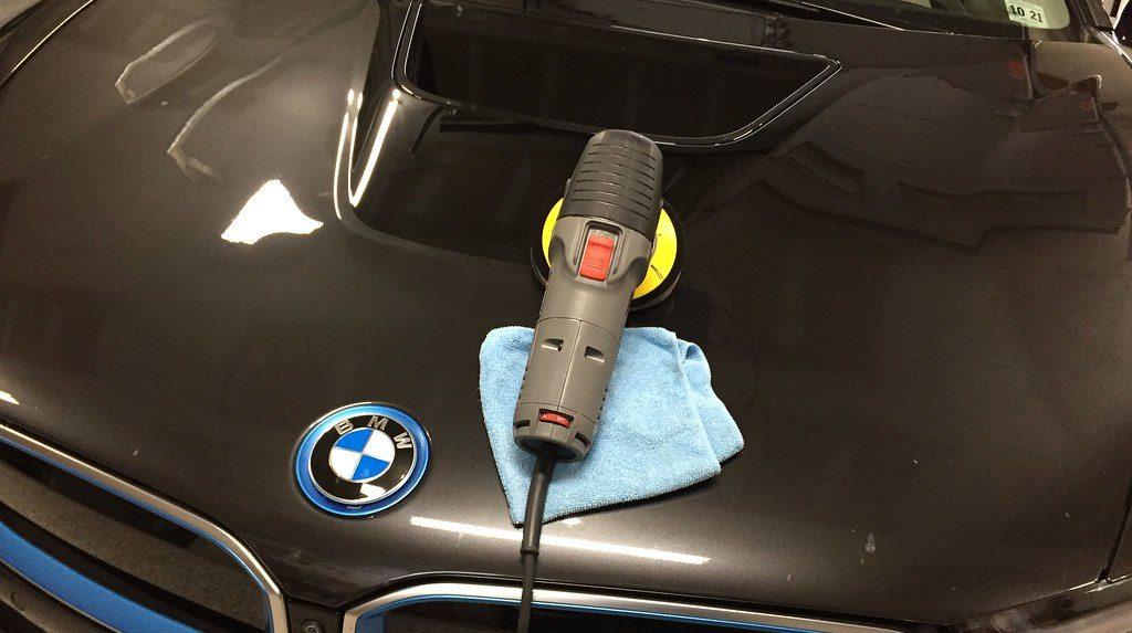 car polish using a buffer machine